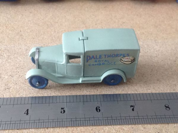 "Dinky Toys copy model 28 Series Type 1 Delivery Van ""Palethorpes"""